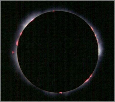 Chromosphäre mit den rot leuchtenden Protuberanzen